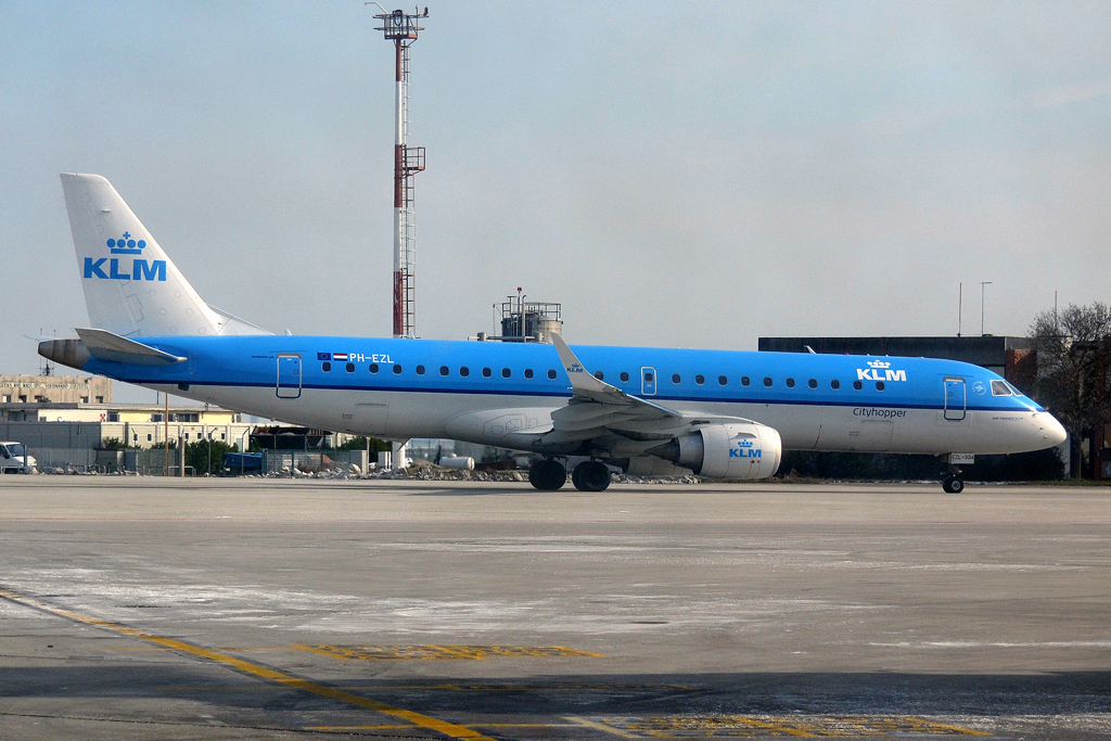 ERJ-190-100STD KLM Cityhopper PH-EZL Venice_Marco_Polo (VCE/LIPZ) February_15_2013