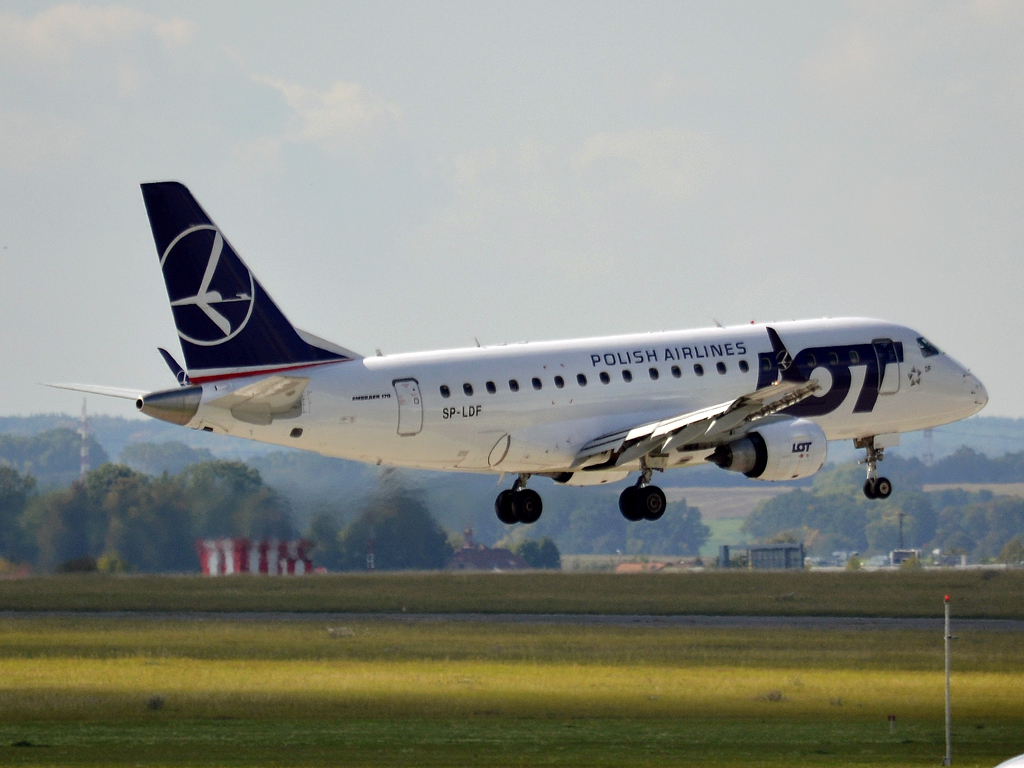 ERJ-170-100LR LOT Polish Airlines SP-LDF Prague_Ruzyne (PRG/LKPR) September_30_2012