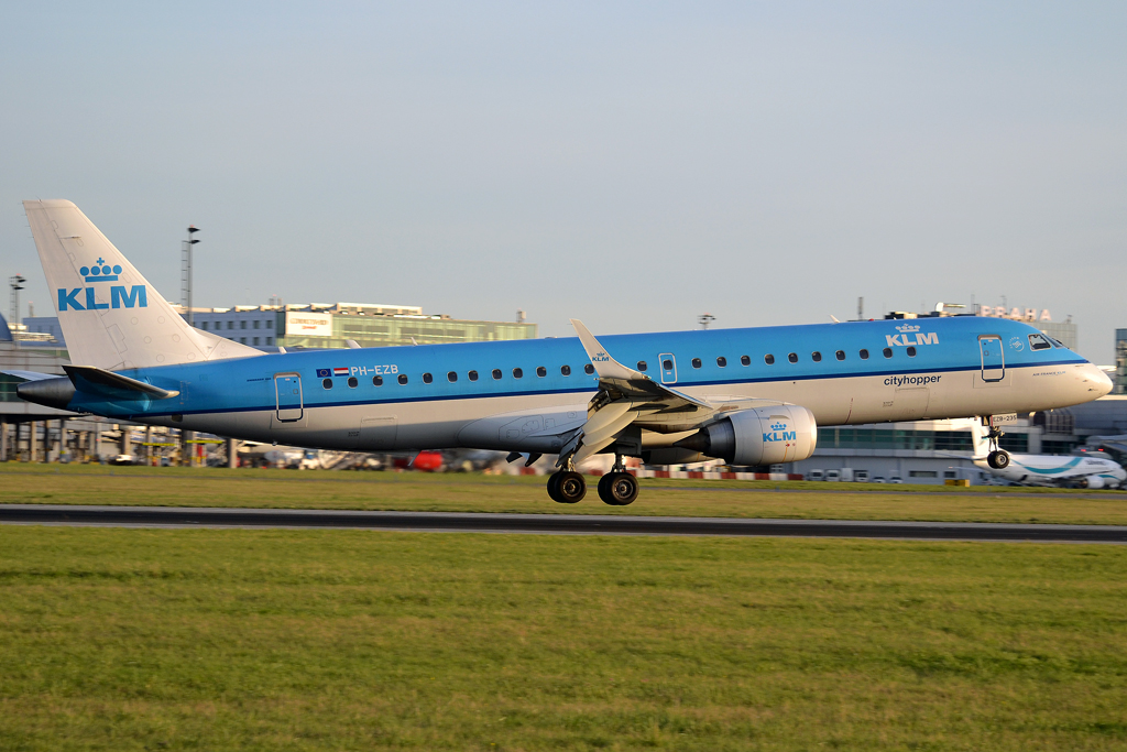 ERJ-190-100LR KLM Cityhopper PH-EZB Prague_Ruzyne (PRG/LKPR) September_21_2012