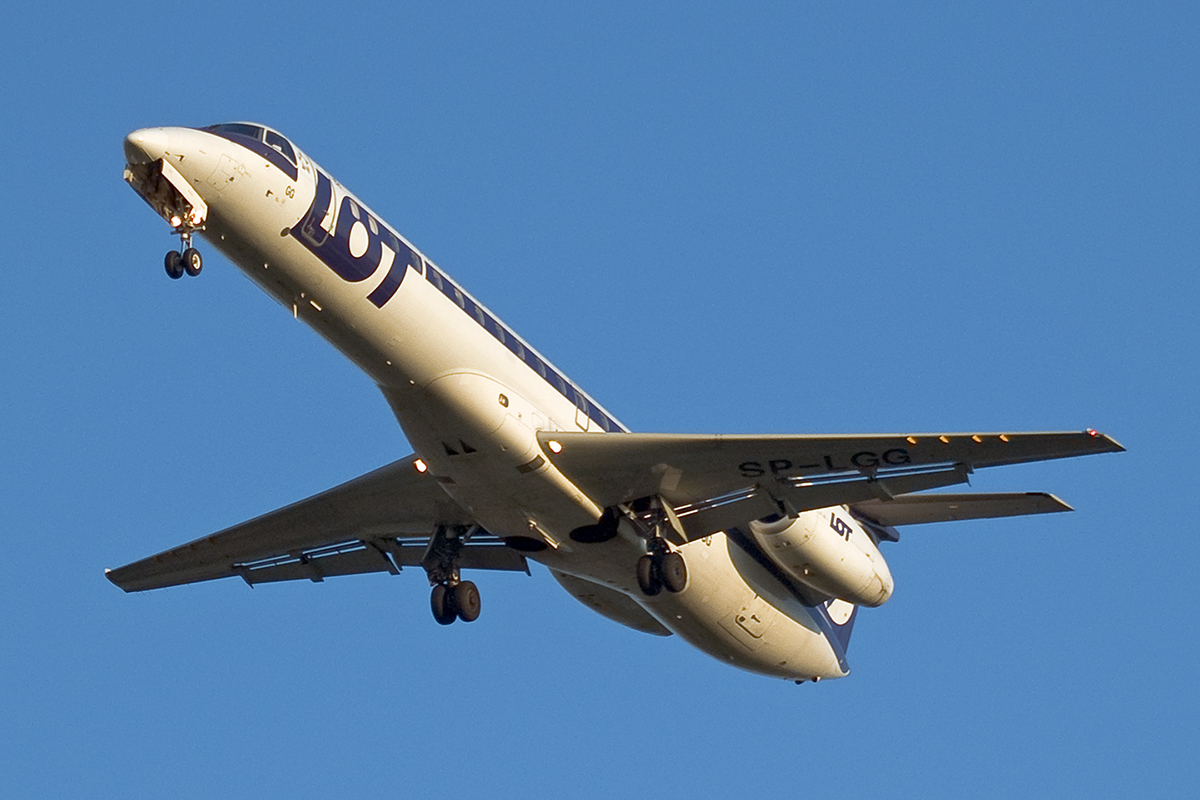 ERJ-145MP LOT Polish Airlines SP-LGG Wien_Schwechat (VIE/LOWW) April_8_2007
