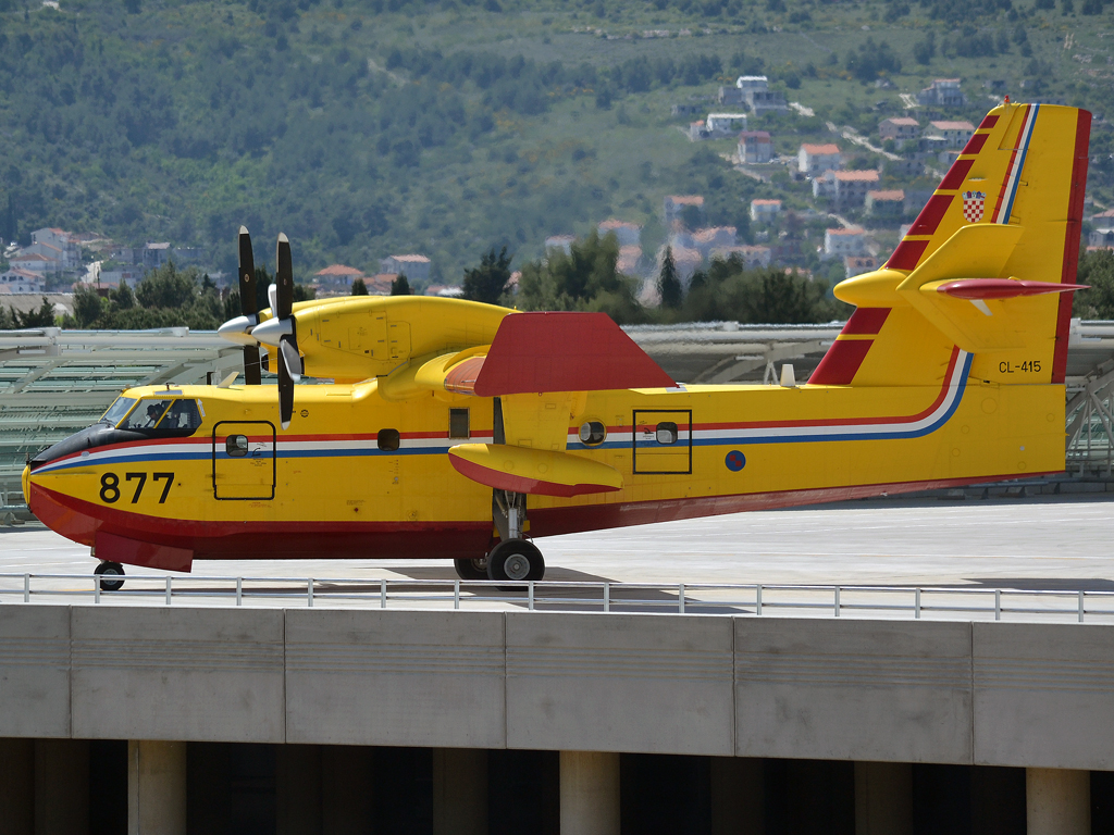 Canadair CL-415 Croatia Air Force HRZ 877 Split_Resnik (SPU/LDSP) May_03_2012