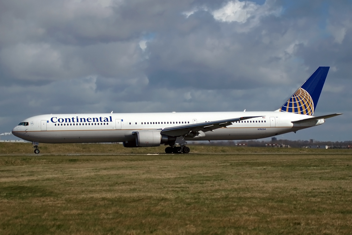 B767-424/ER Continental Airlines N76054 Amsterdam_Schiphol March_19_2008