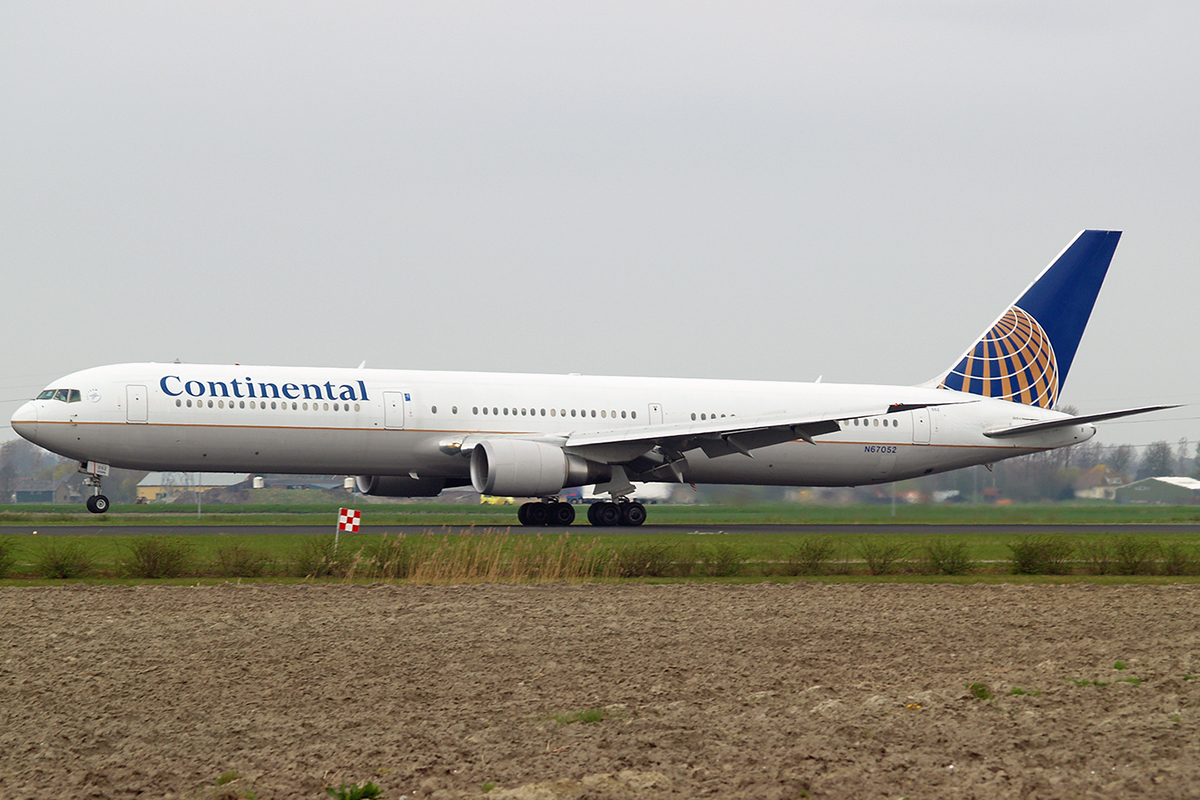 B767-424/ER Continental Airlines N67052 Amsterdam Schiphol April_20_2006