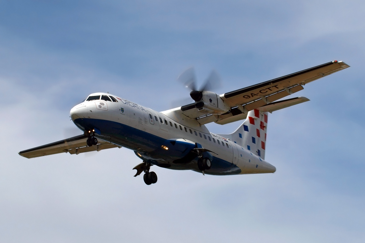 ATR-42-300QC Croatia Airlines 9A-CTT Split_Resnik (SPU/LDSP) August_9_2008