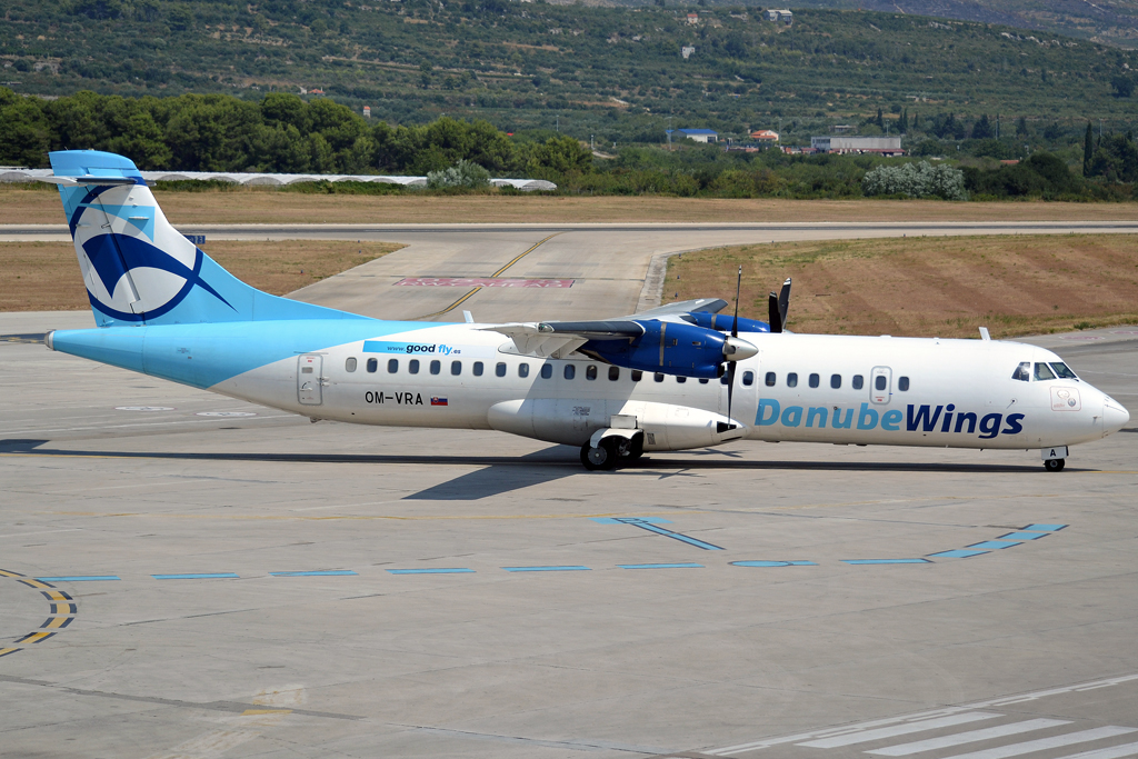 ATR-72-202 Danube Wings OM-VRA Split_Resnik (SPU/LDSP) August_09_2013