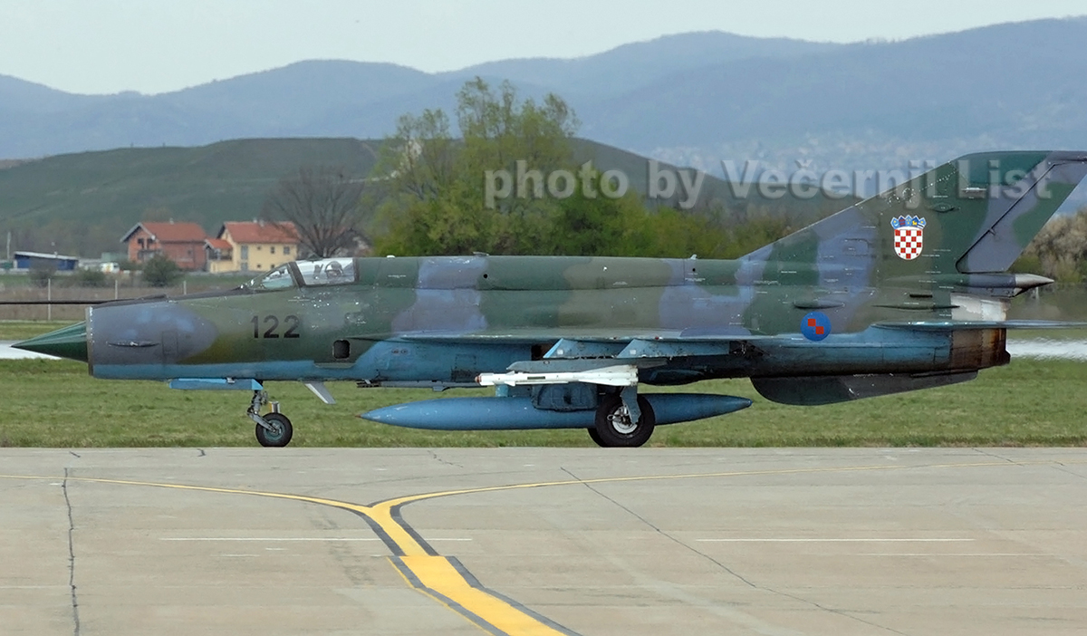 MiG-21bisD Croatia Air Force 122 Zagreb_Pleso (ZAG/LDZA) April_4_2008