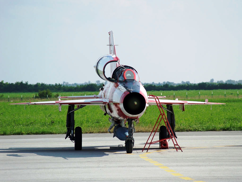 MiG-21UMD Croatia Air Force 165 Osijek_Klisa (OSI/LDOS) 2006