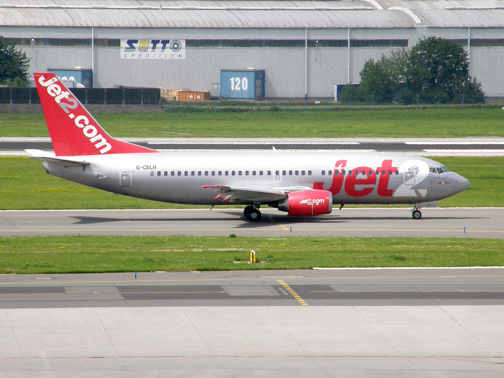 B737-330 Jet2 G-CELH Prague_Ruzyne (PRG/LKPR) July_02_2009