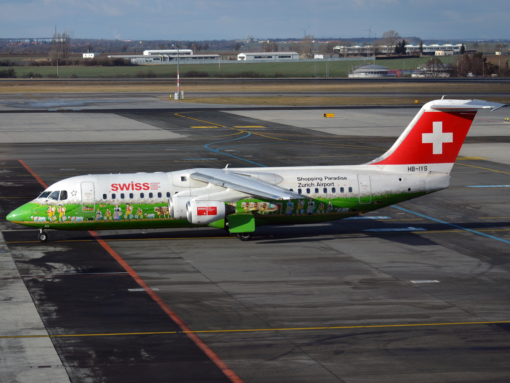 Avro 146-RJ100 Swiss International Air Lines HB-IYS Prague_Ruzyne (PRG/LKPR) January_15_2012