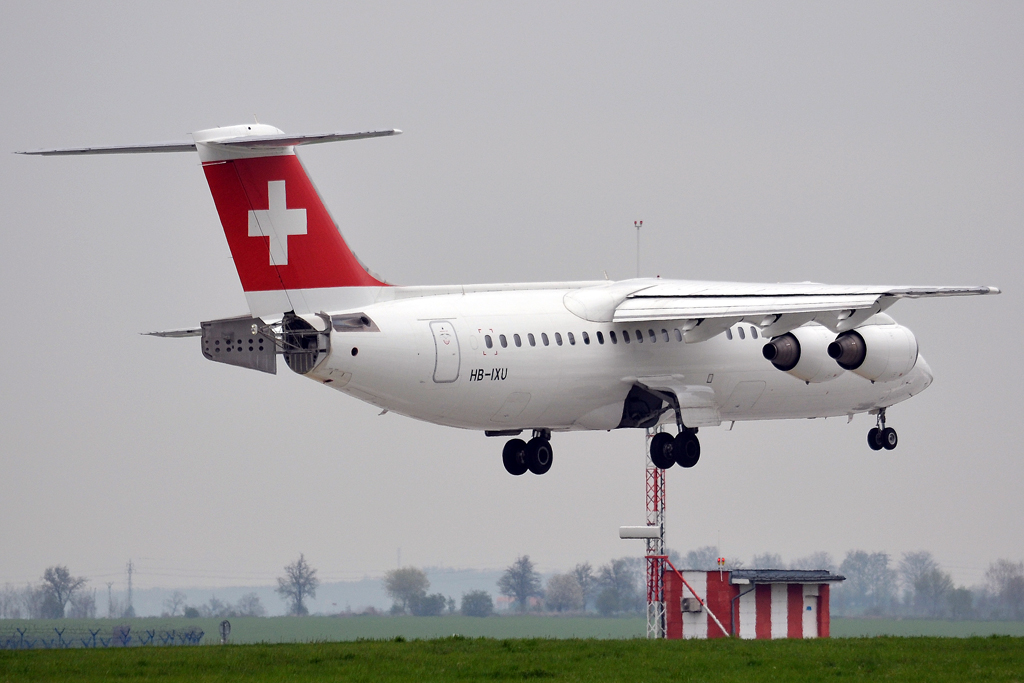 Avro 146-RJ100 Swiss International Air Lines HB-IXU Prague_Ruzyne (PRG/LKPR) April_28_2013