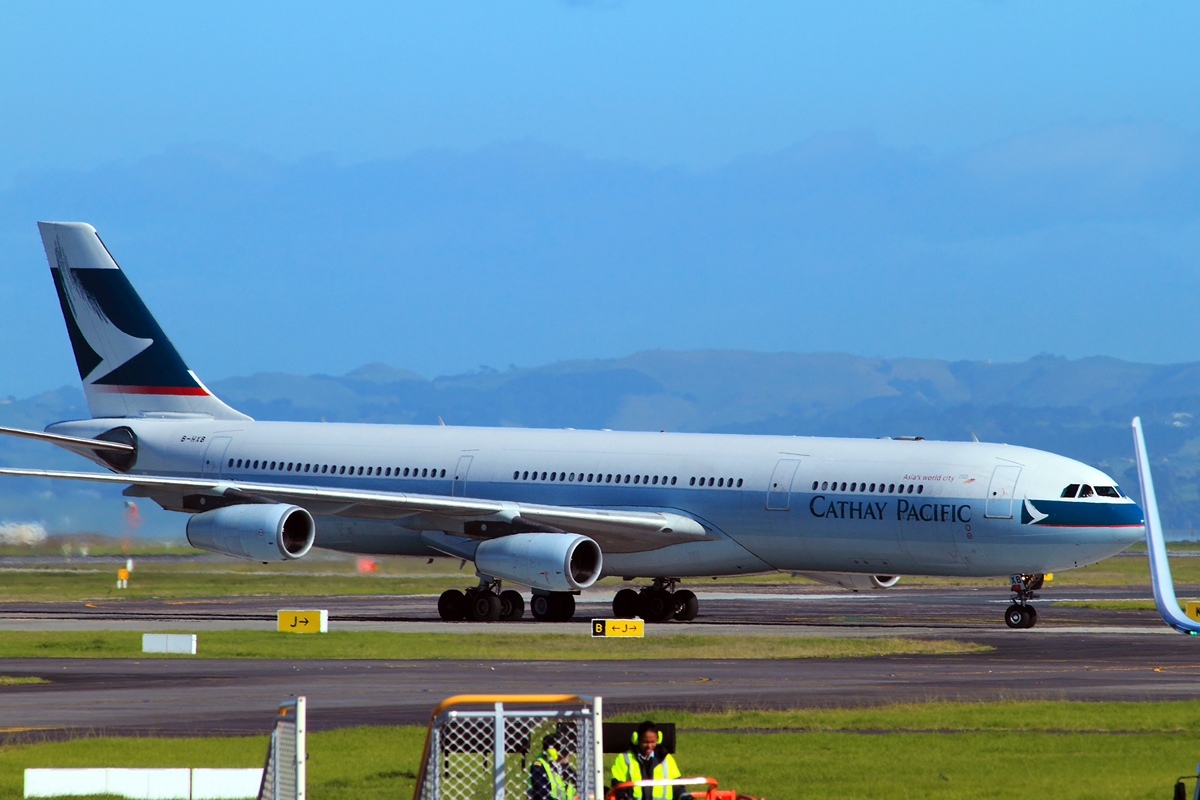 A340-313X Cathay Pacific Airways B-HXB Auckland May_17_2010