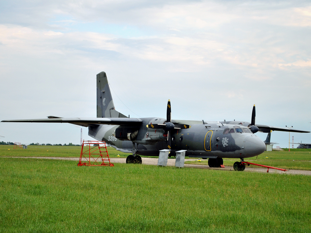 An-26B Czech Air Force 3209 Prague_Kbely (LKKB) June_11_2011