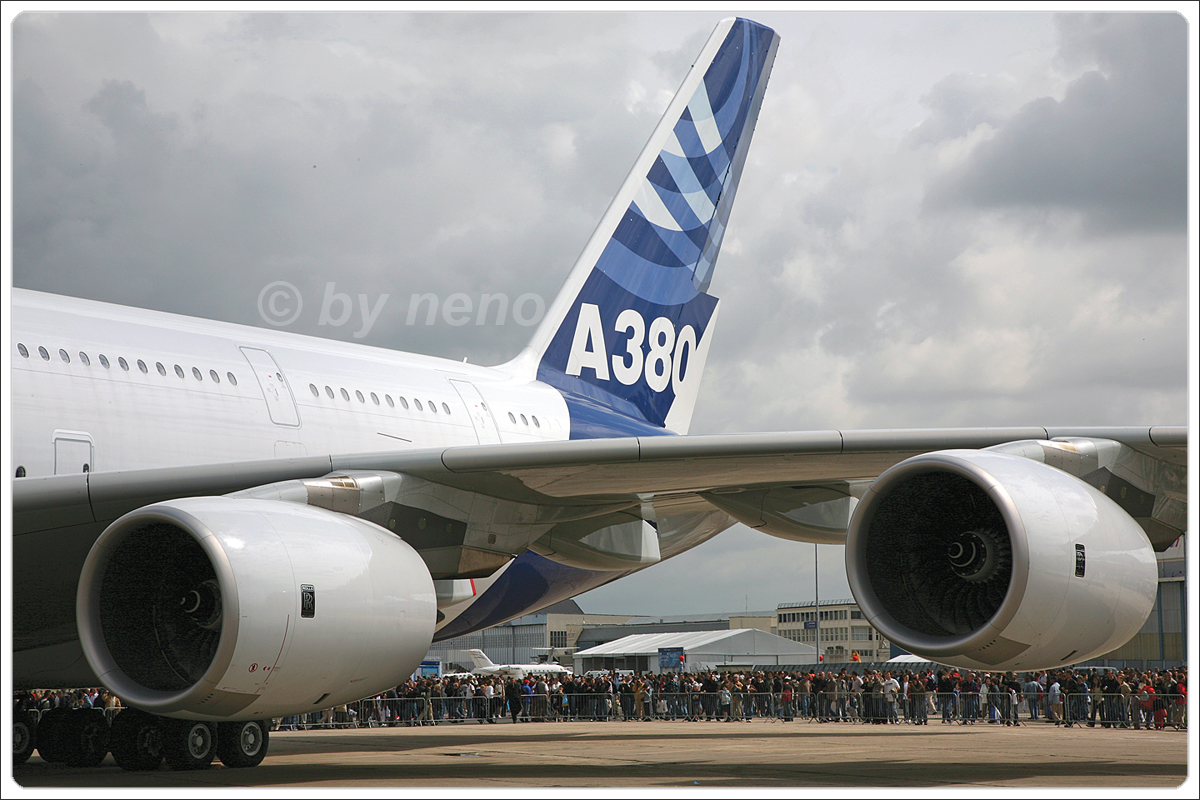 A380-841 Airbus Industrie F-WWJB Paris_Le_Bourget June_23_2007
