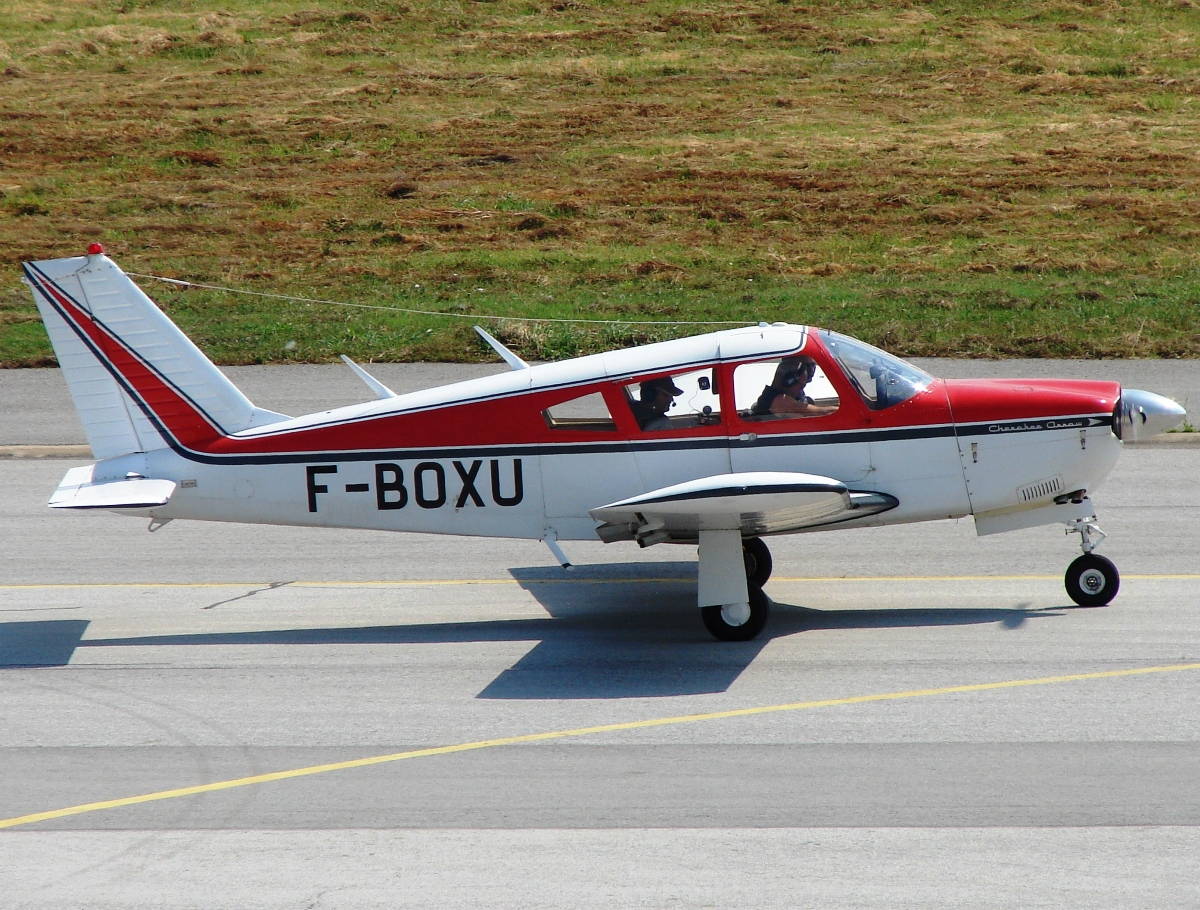 Piper PA-28R-180, Cherokee Arrow, F-BOXU, Untiteld, Osijek-KLisa (OSI/LDOS) July_16_2010.