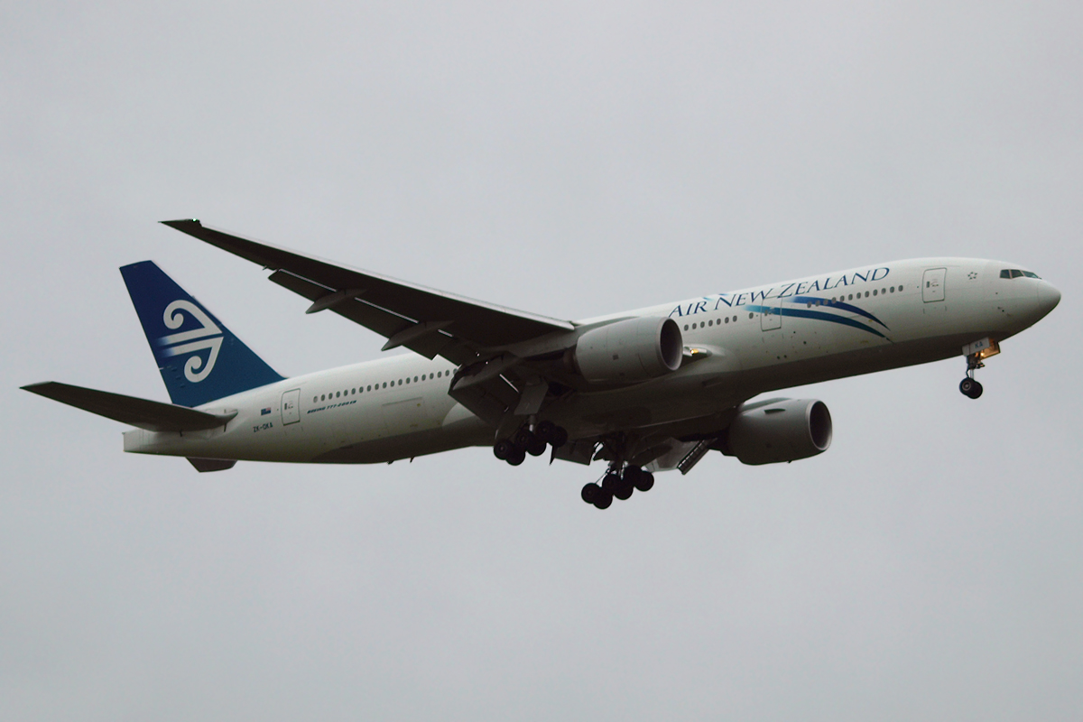 B777-219/ER Air New Zealand ZK-OKA London_Heathrow November_13_2010