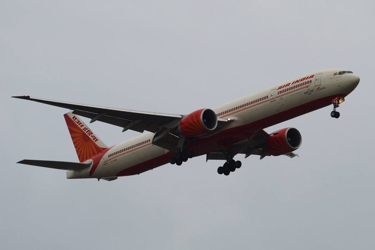 B777-337/ER Air India VT-ALM London_Heathrow November_13_2010