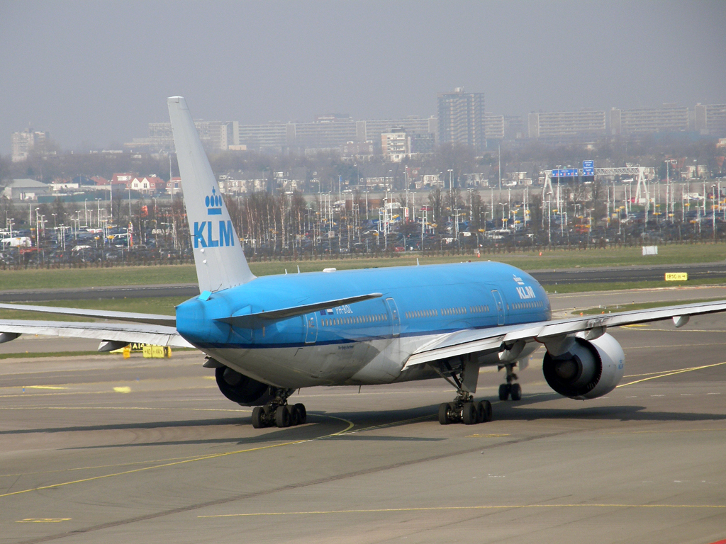B777-206/ER KLM - Royal Dutch Airlines PH-BQL Amsterdam_Schiphol March_16_2011