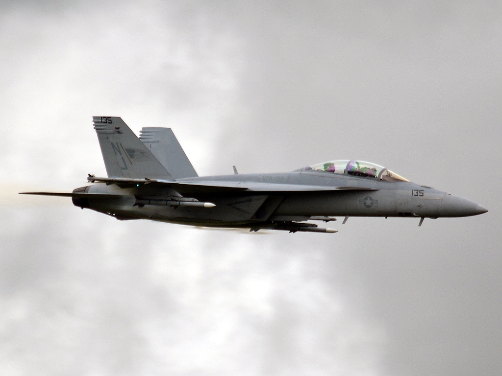Boeing F/A-18F Super Hornet USA Air Force 16-6970 Fairford (FFD/EGVA) July_07_2012