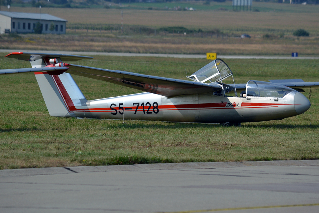 Let L-23 Super Blanik Letalski Center Maribor S5-7128 Sliac (SLD/LZSL) August_27_2011