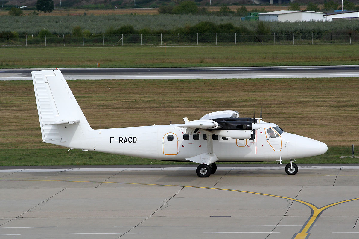 DHC-6-300 Twin Otter France Air Force F-RACD Zagreb_Pleso (ZAG/LDZA) September_8_2011