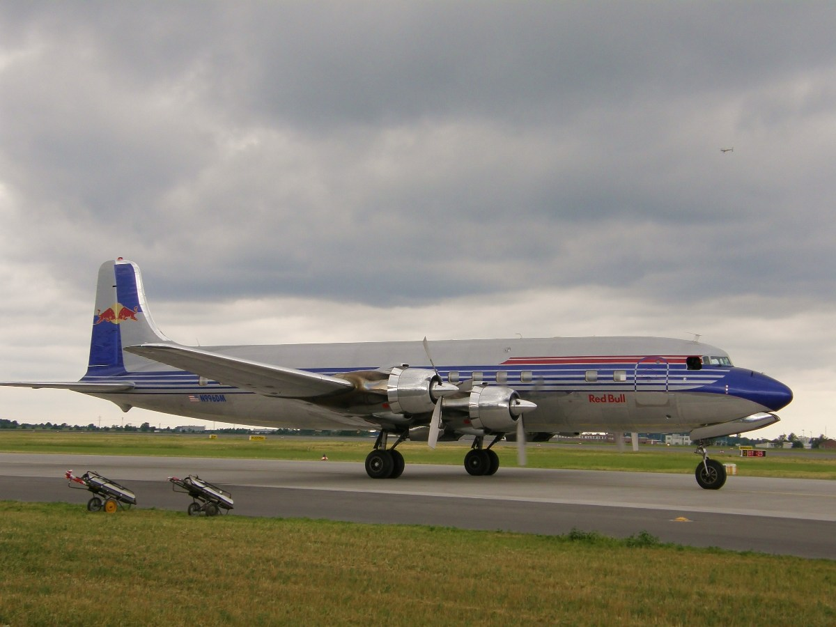 Douglas DC-6B Red Bull N996DM Berlin_Schonefeld June_12_2010