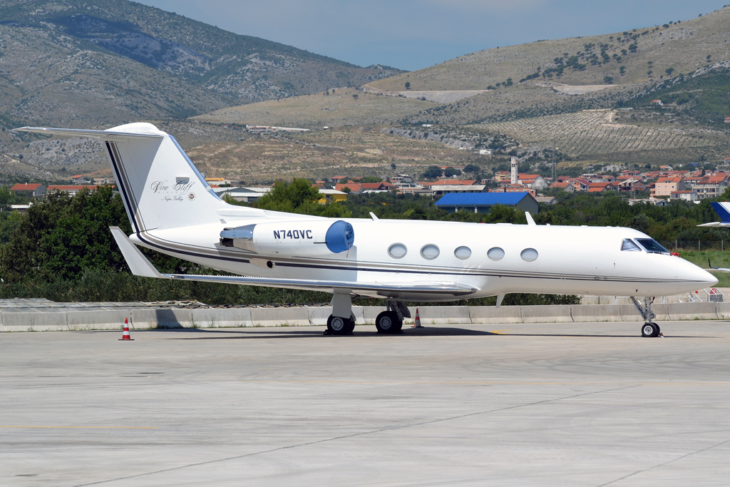 Gulfstream Aerospace G-1159A Gulfstream III Private N740VC Split_Resnik (SPU/LDSP) August_6_2011