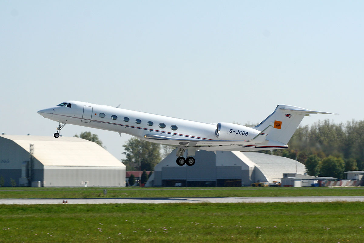 Gulfstream G550 Untitled (JCB) G-JCBB Zagreb_Pleso (ZAG/LDZA) September_22_2010