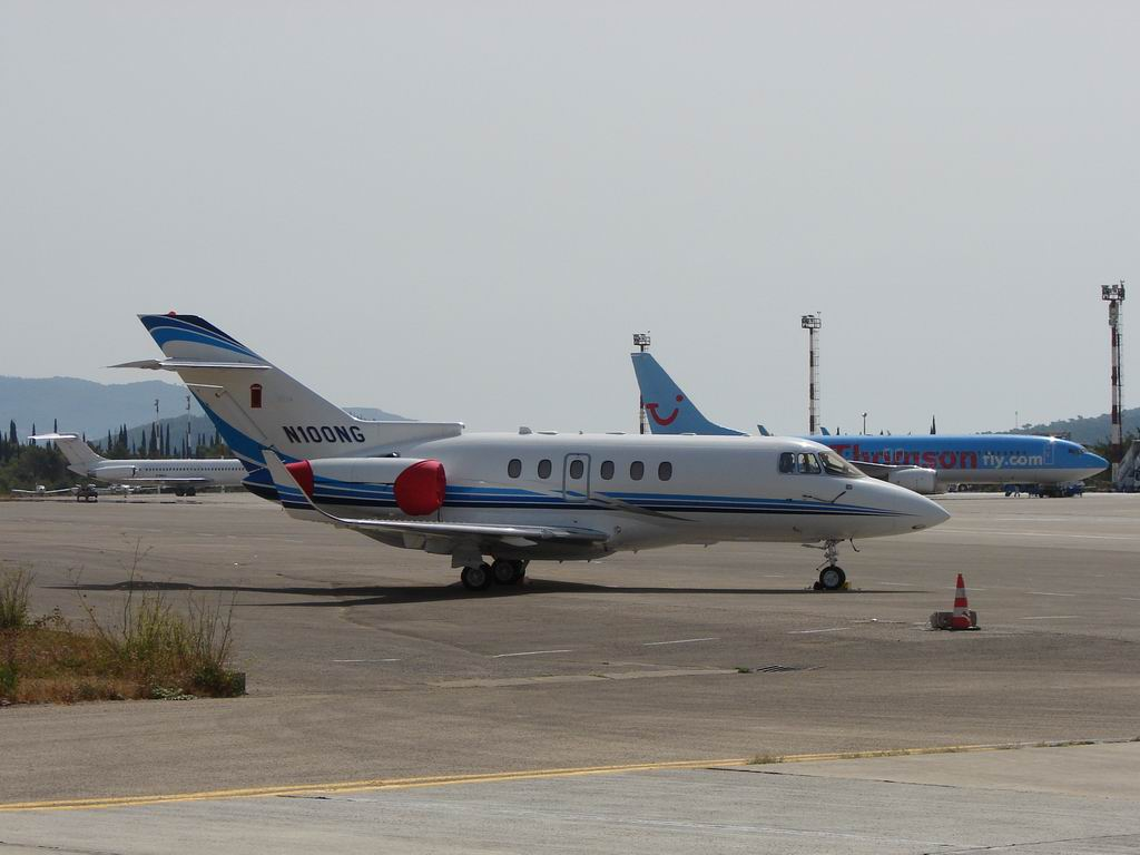 Raytheon Hawker 800XP, N100NG, Travel Guard Group, Dubrovnik-Cilipi (LDDU) 2008.