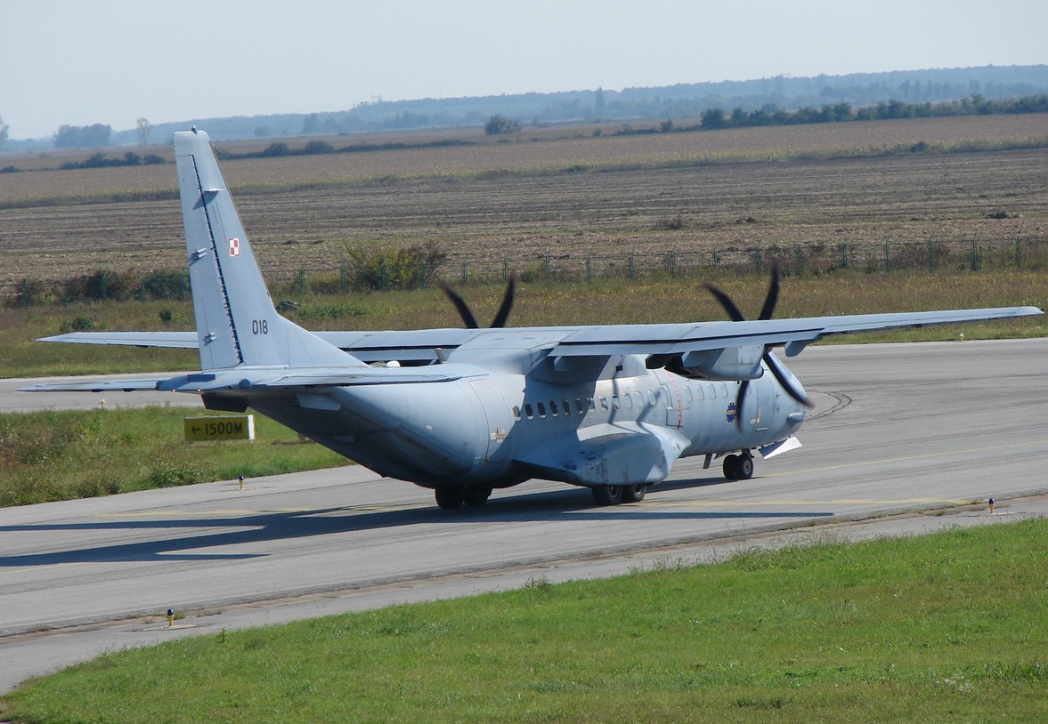 Casa C-295M, 018, Poland Air Force, Osijek-Klisa (OSI/LDOS), September_22_2010.