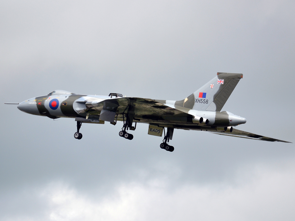 Avro 698 Vulcan B2 UK Royal Air Force XH558 Fairford (FFD/EGVA) July_07_2012