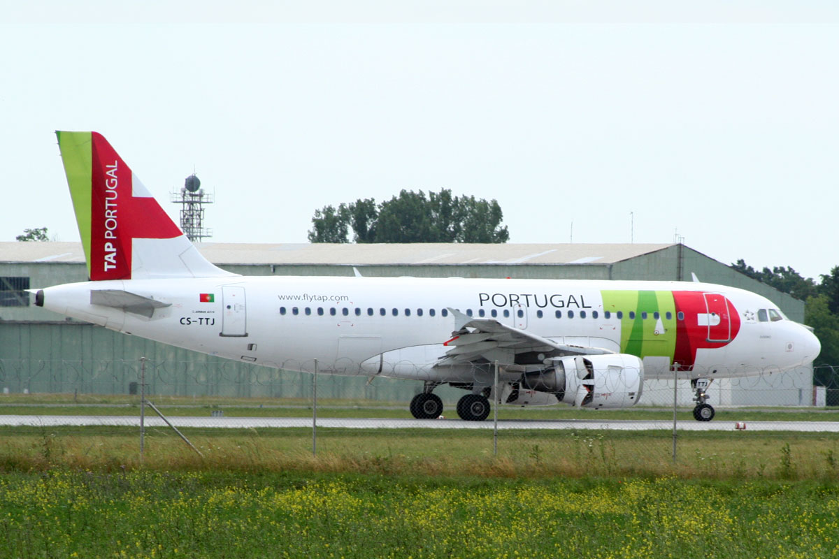 A319-111 TAP Air Portugal CS-TTJ Zagreb_Pleso June_7_2009