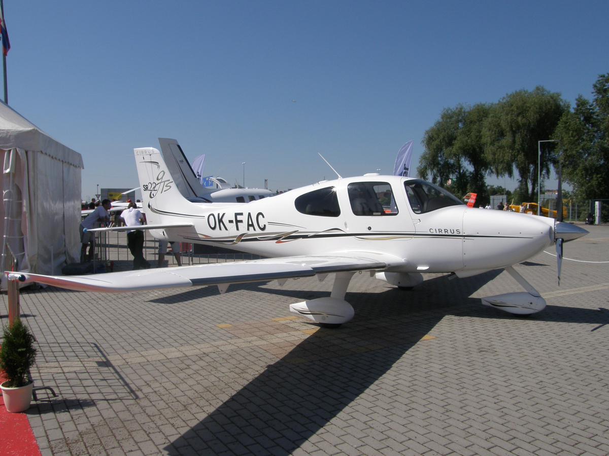 Cirrus SR-22 GTS Untitled OK-FAC Prague_Letnany (LKLT) May_24_2009