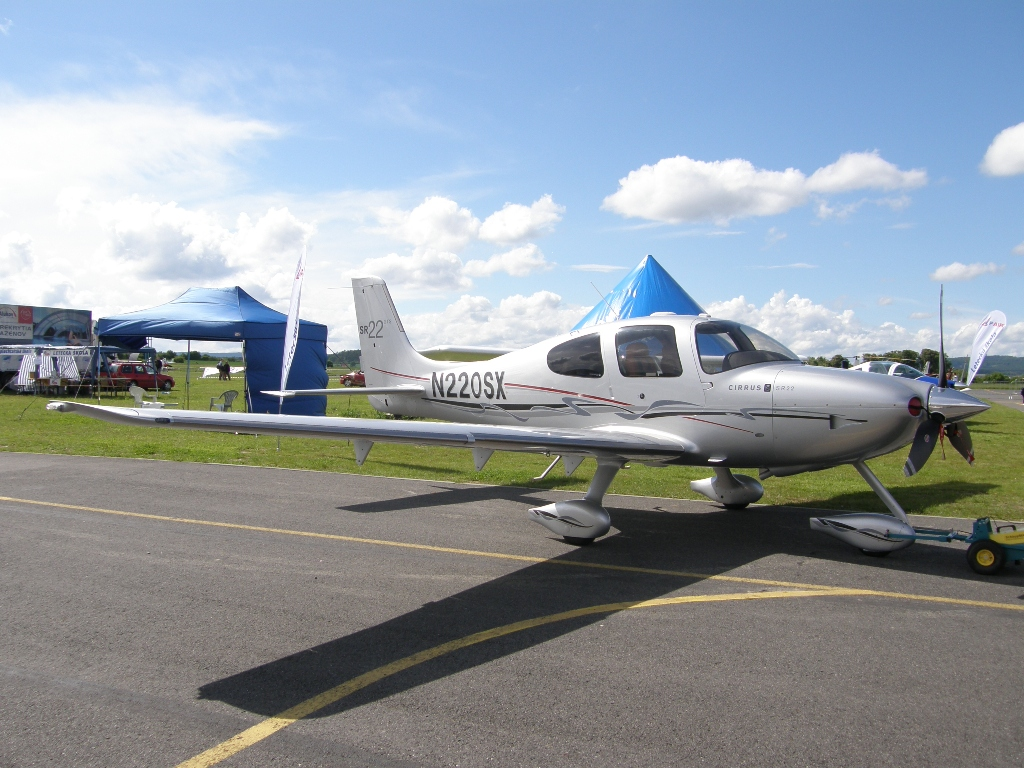 Cirrus SR-22 Untitled N220SX Pribram_Dlouha_Lhota May_30_2010