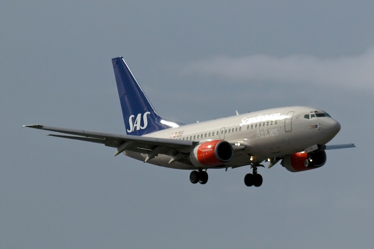 B737-683 Scandinavian Airlines - SAS LN-RPA Amsterdam_Schiphol March_25_2008