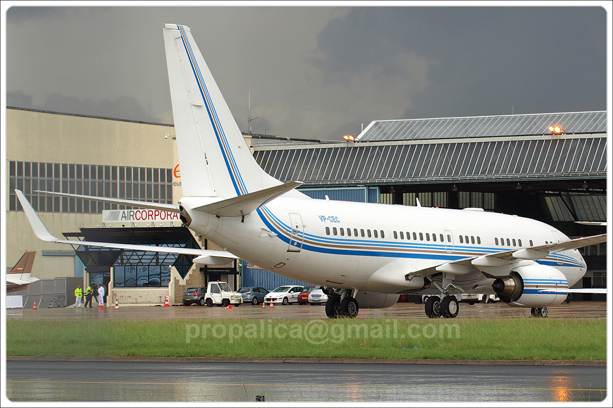 B737-7AW BBJ Untitled VP-CEC Paris_Le_Bourget June_22_2007