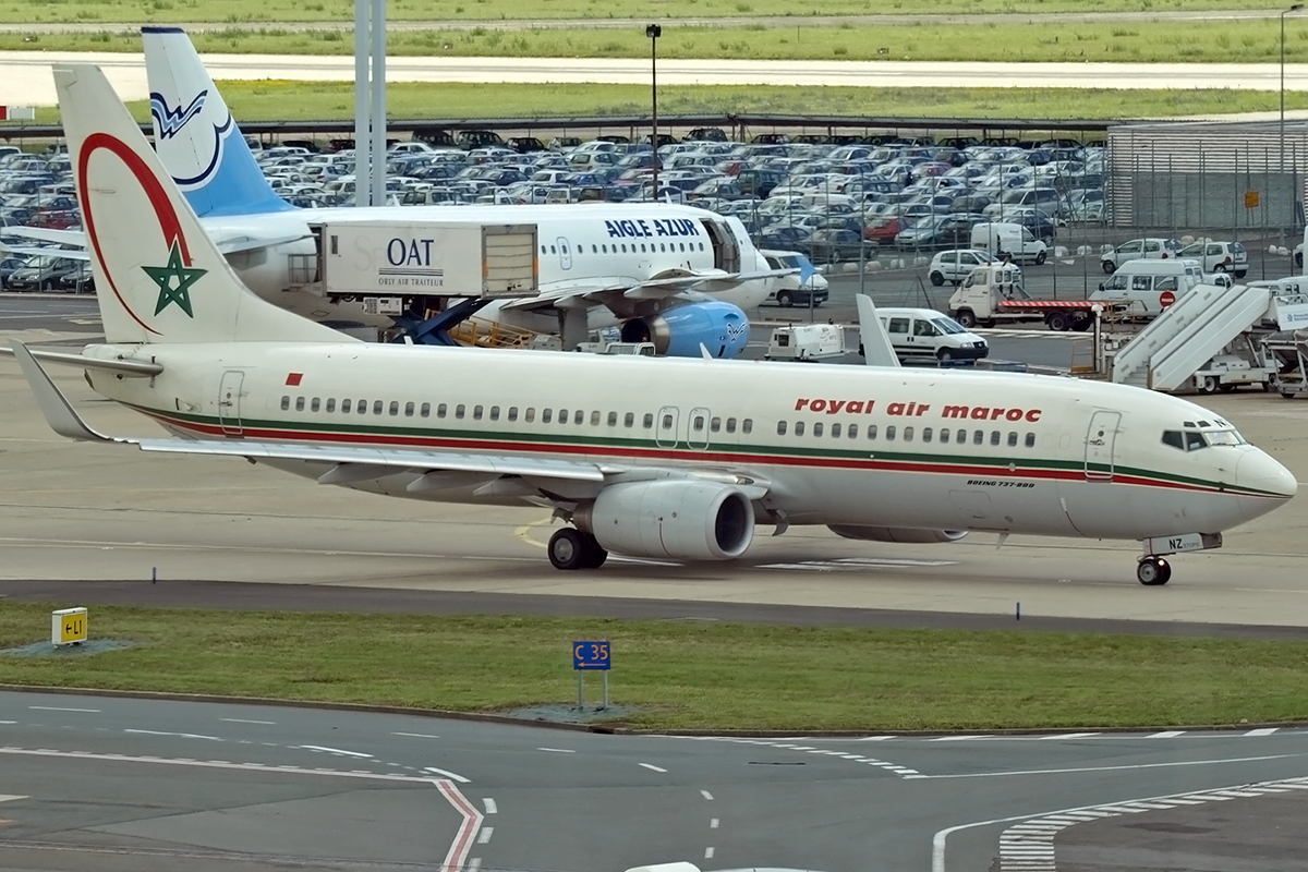 B737-8B6 Royal Air Maroc (RAM) CN-RNZ Paris_Orly_Sud June_25_2007