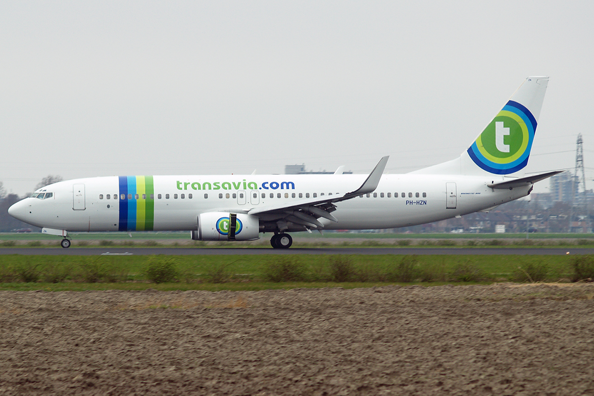 B737-8K2 Transavia Airlines PH-HZN Amsterdam Schiphol April_20_2006