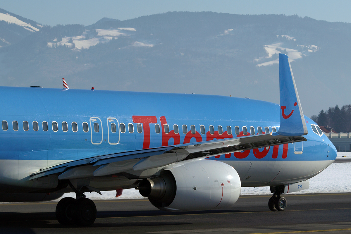 B737-8K5 Thomsonfly (Thomson Airways) G-FDZR Salzburg January_16_2010
