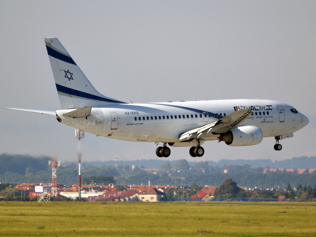 B737-758 El Al Israel Airlines 4X-EKE Prague_Ruzyne (PRG/LKPR) September_30_2012