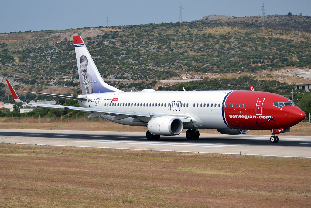 B737-8JP Norwegian Air Shuttle LN-DYZ Split_Resnik (SPU/LDSP) August_10_2013