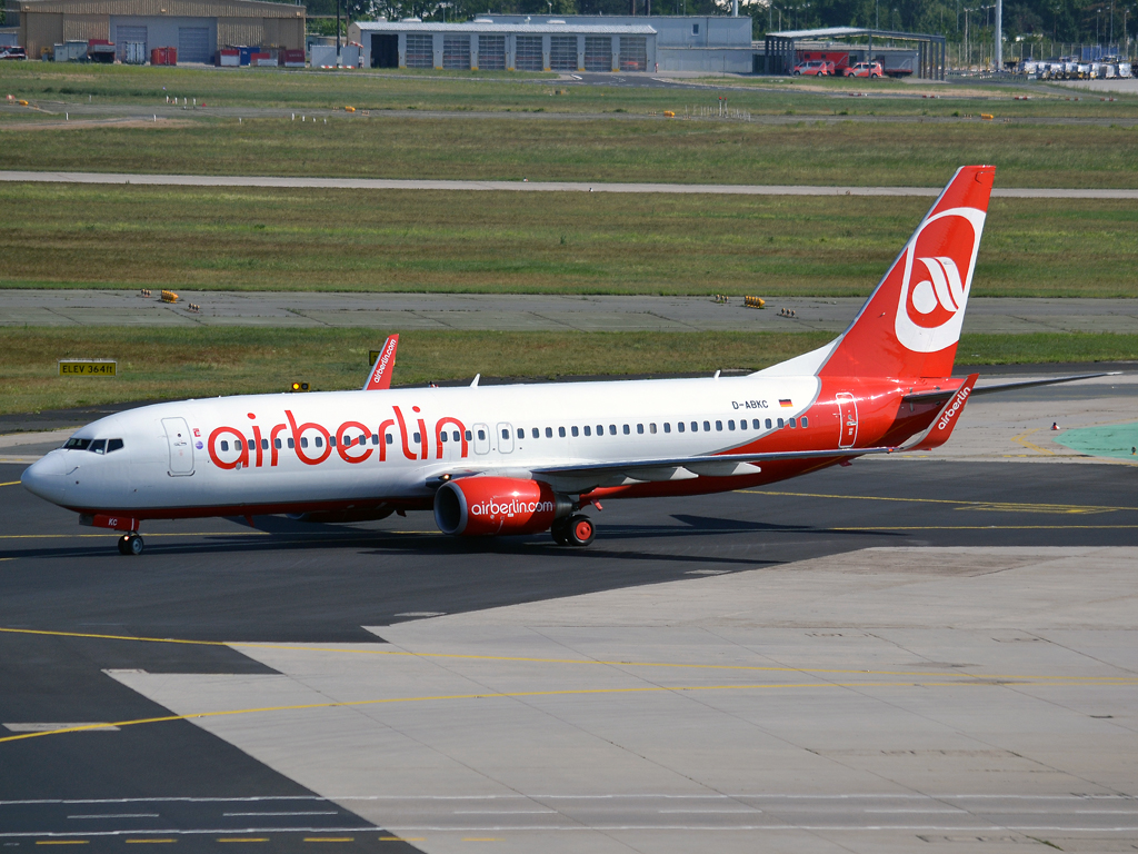 B737-86J Air Berlin D-ABKC Frankfurt_Main (FRA/EDDF) May_26_2012