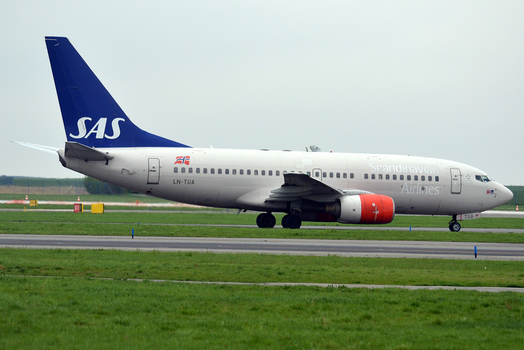 B737-705 SAS Scandinavian Airlines LN-TUA Prague_Ruzyne (PRG/LKPR) April_28_2013