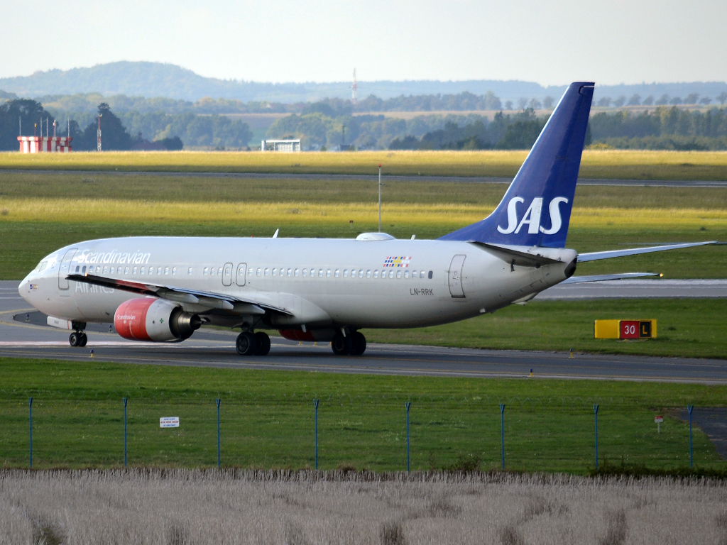 B737-883 SAS Scandinavian Airlines LN-RRK Prague_Ruzyne (PRG/LKPR) September_30_2012