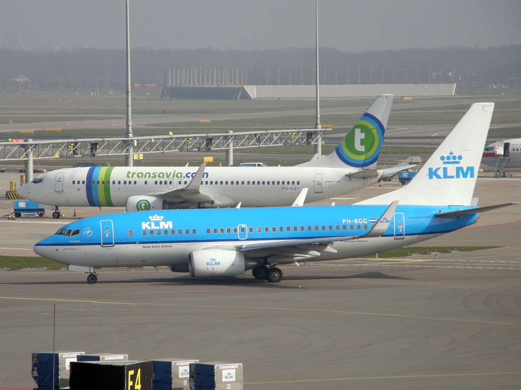 B737-7K2 KLM - Royal Dutch Airlines PH-BGG Amsterdam_Schiphol March_16_2011