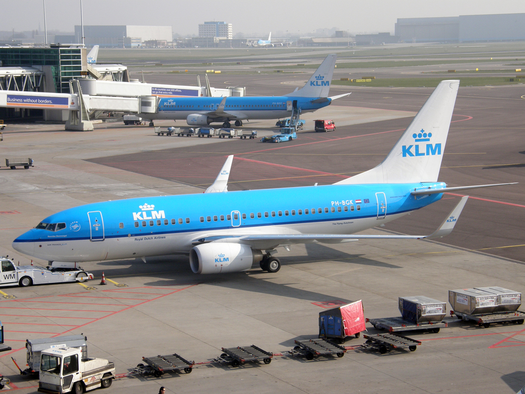 B737-7K2 KLM - Royal Dutch Airlines PH-BGK Amsterdam_Schiphol March_16_2011