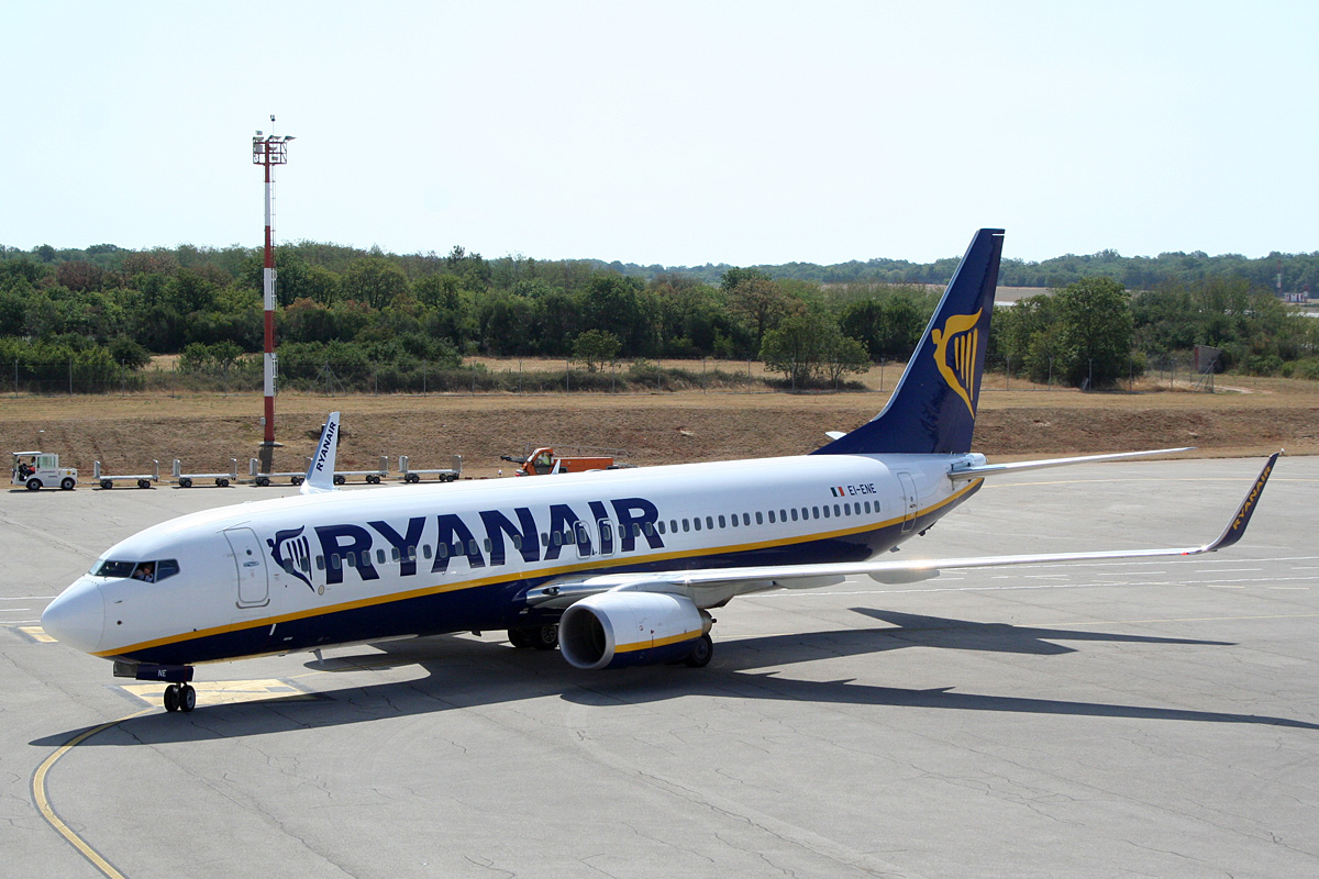 B737-8AS Ryanair EI-ENE Pula (LDPL/PUY) July_14_2012