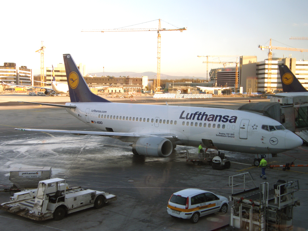 B737-330 Lufthansa D-ABXO Frankfurt_Main March_08_2010